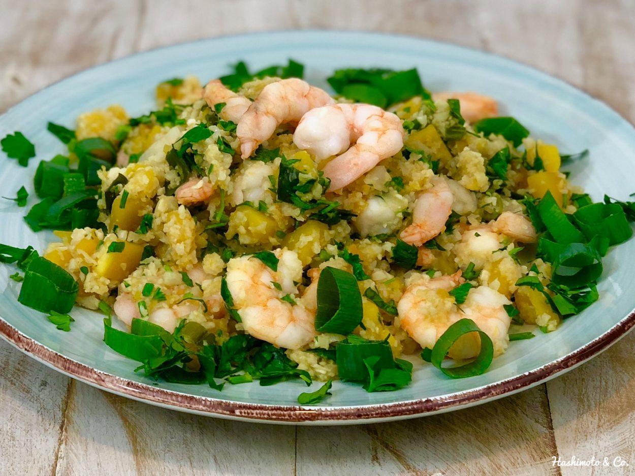 Blumenkohl-Reis mit Butternusskürbis und Shrimps (AIP / Paleo / Glutenfrei)