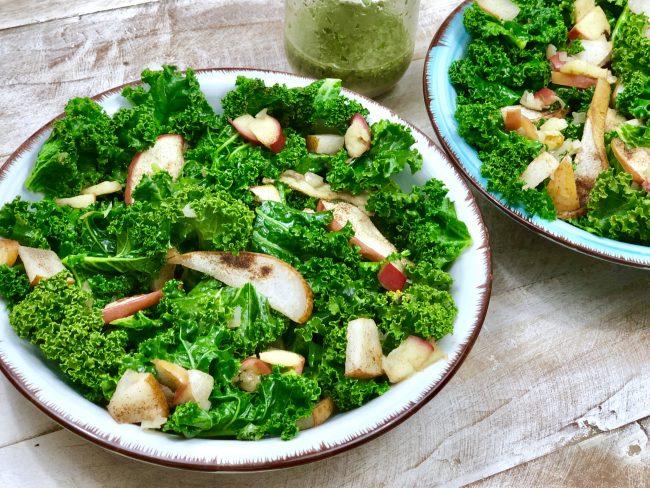 Rezept für lauwarmen Grünkohlsalat (Paleo - Autoimmunprotokoll AIP, Paleo, Vegan, Glutenfrei, Eifrei, Milchfrei.