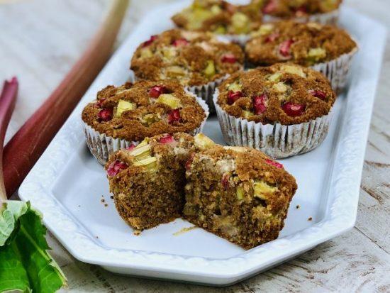 Rhabarber-Muffins ohne Zusatz von Zucker (Paleo-Autoimmunprotokoll, AIP, Glutenfrei, Vegan)
